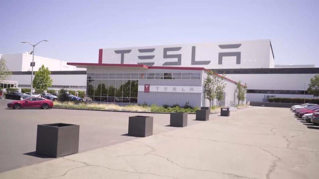 TESLA電動車製造工廠