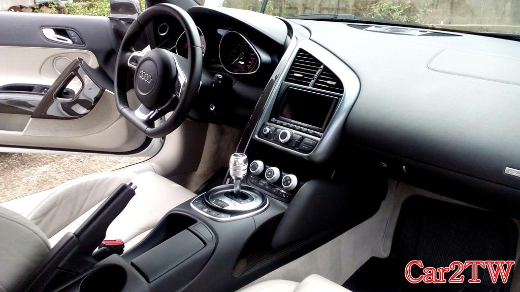 Audi R8 4.2 美國買車代購及華僑留學生代辦運車回台灣