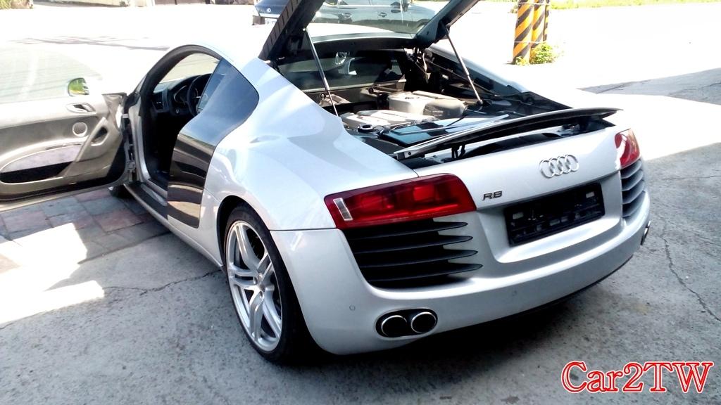 Audi_R8_4.2_10