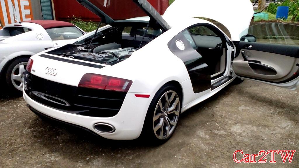 這是一台Audi R8, 車主從美國洛杉磯運車回台灣自用,Car2TW代辦車測相關流程