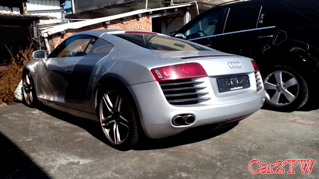 Audi_R8_4.2_6