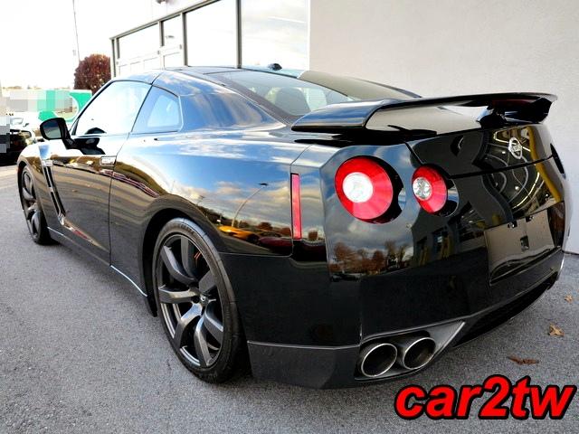 2009-Nissan-GTR-3