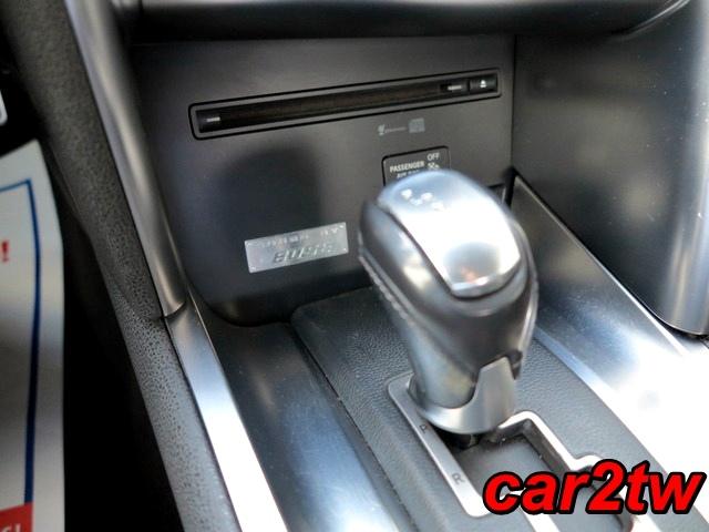 2009-Nissan-GTR-15