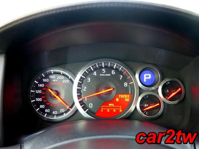 2009-Nissan-GTR-12