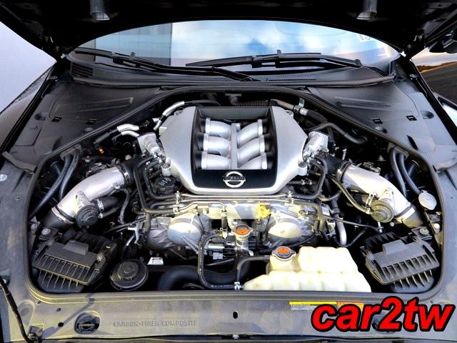 2009-Nissan-GTR-10