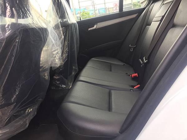 MERCEDES-BENZ賓士外匯車,美規W204 C250。