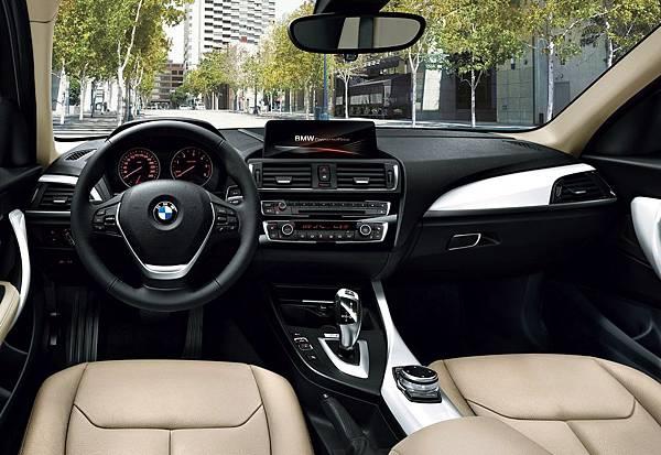 BMW-118i-內裝