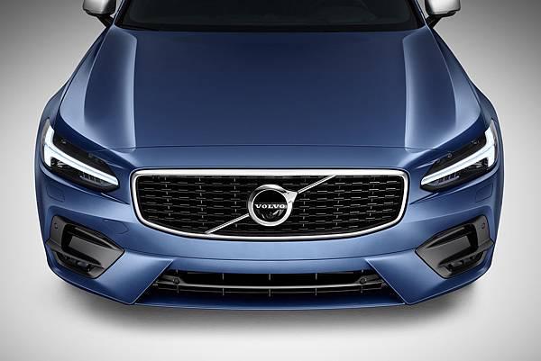 Volvo-S90-車頭