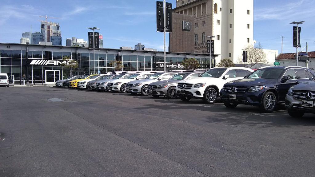 整體來說,奧迪Audi汽車算是比較少人想要從國外買車運回台灣,原因是台灣奧迪售價不貴,絕大部分車主都是選擇BMW或是賓士汽車運回台灣才會比較划算,例如賓士C300/C400/C450/C43/E300/E43/GLA250/CLA250/GLC300等等屬於最常見帶車回台灣的車型,一般來說1-5年車款都非常划算,有任何運車回台灣關稅及費用可以詢問Car2TW