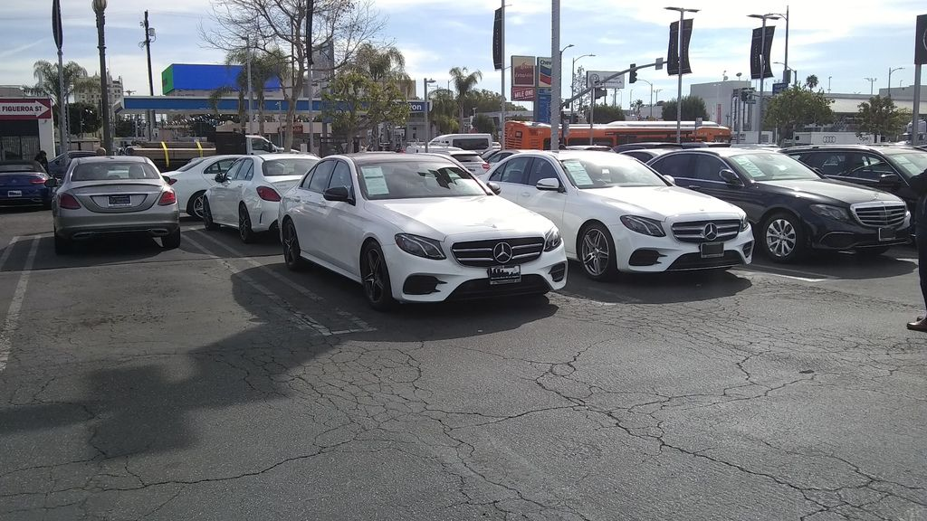 美國分公司Car2TW Inc.設址於加州洛杉磯阿罕布拉市,協助找車買車及汽車海運出口報關回台灣, 台灣總公司設於新竹,負責台灣進口報關及通過ARTC進口車檢驗車測等項目, 擁有專業BMW賓士進口車保養廠,無論是自用車運回台灣,或是想購買高品質外匯車, 希望客戶都能得到完整尊榮服務及大盤團購價格,想找優良外匯車商推薦來Car2TW詢問比較一下。