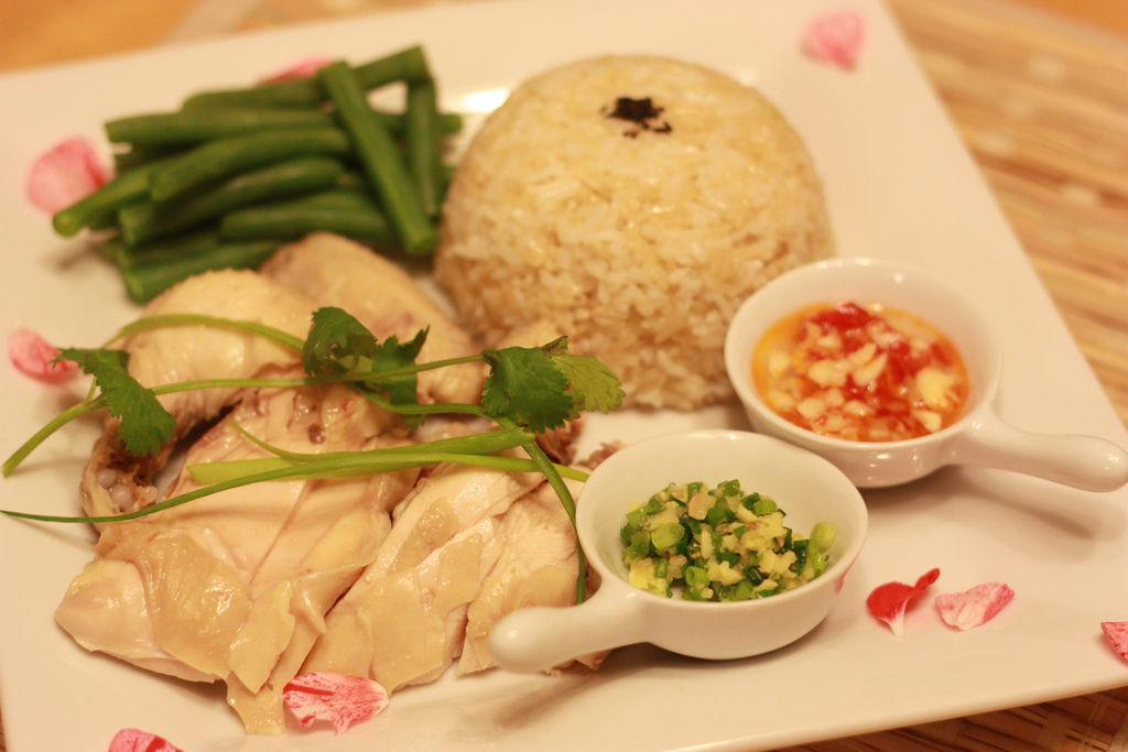 Hainanese Chicken Rice  4
