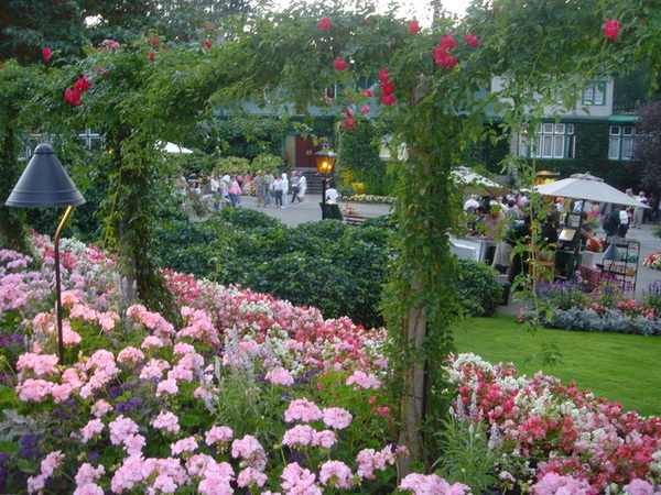 0820 butchart gardens