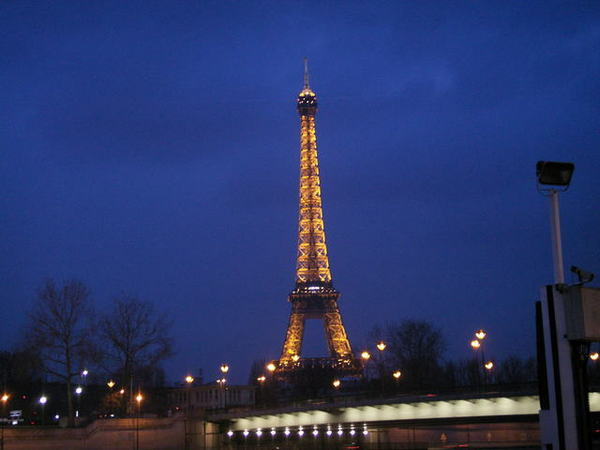 0225 Eiffel Tower
