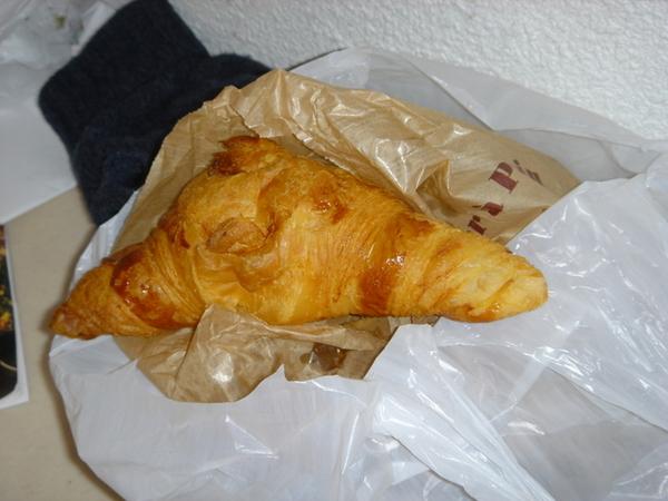 0227 croissant