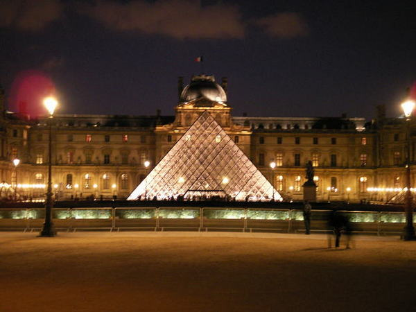 0301 night view of louvre