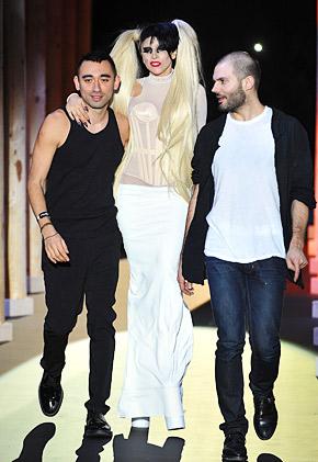 Gaga (4)