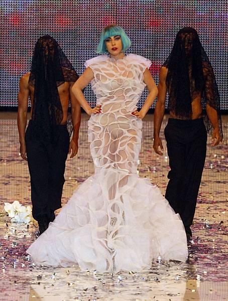 Gaga (3)