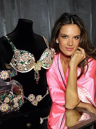 2012-Alessandra Ambrosio