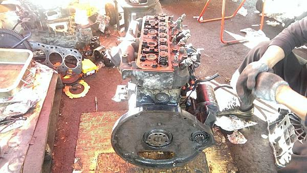 堆高機引擎