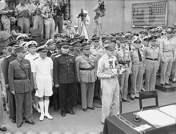 Japanese_Surrender_at_Tokyo_Bay,_2_September_1945_A30428.jpg