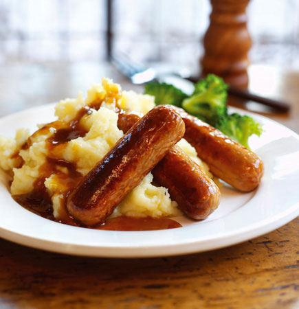 sausages-garlic-mash-onion-gravy