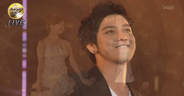 [LIVE]110820.K-POP_All_star_Live_in_Niigata.徐贤+郑荣和.平语颂[16-32-54].jpg