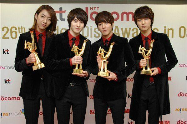 120112 CN 4 awards.jpg