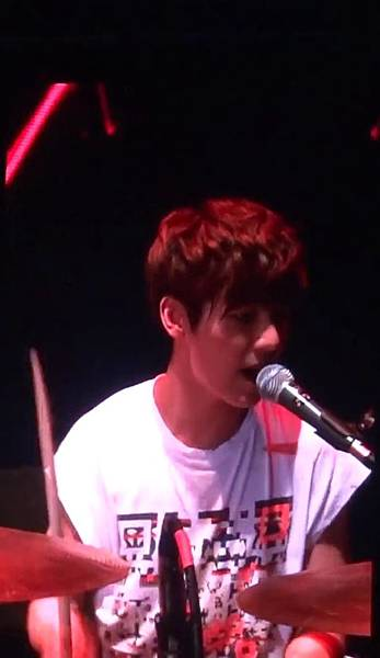 130406 CNBLUE Blue Moon world tour in Taipei - Coffee shop - 103269
