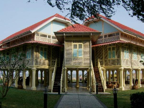 Maruekhathaiyawan-Palace-172126