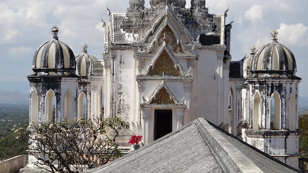 temple-Phra-Nakhon-Khiri-Phetchaburi