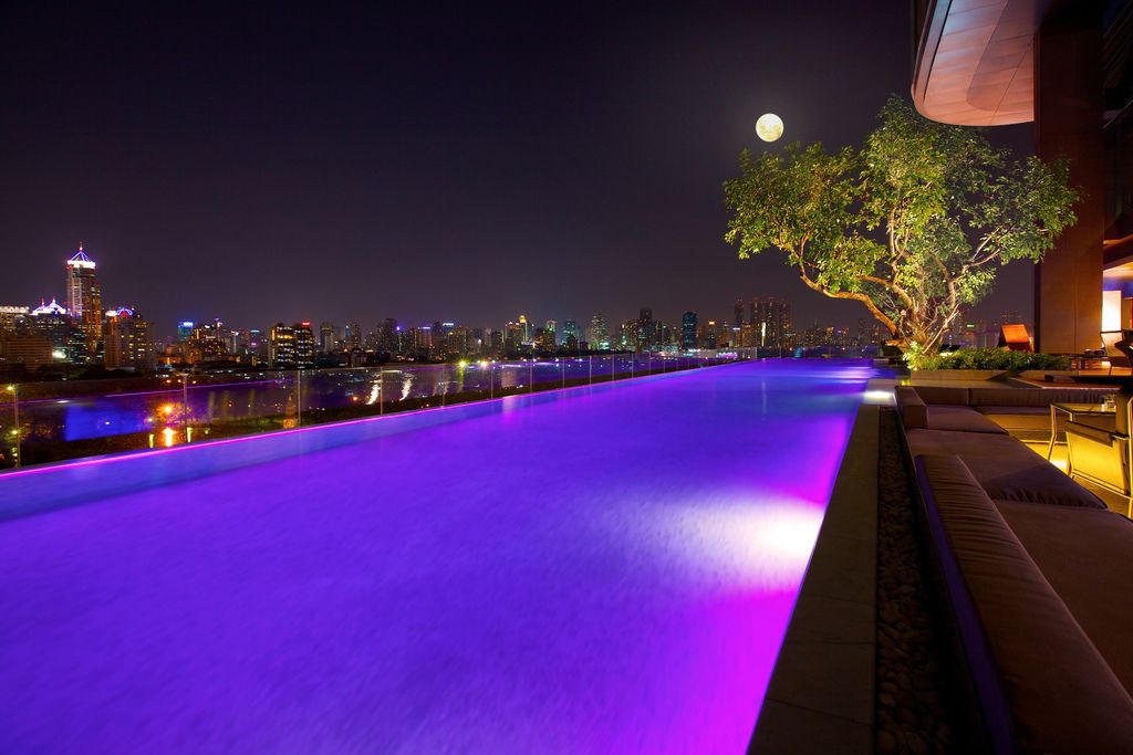 Sofitel-So-Bangkok-Infinity-Pool-Night-View