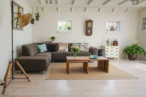 living-room-2732939_1920.jpg