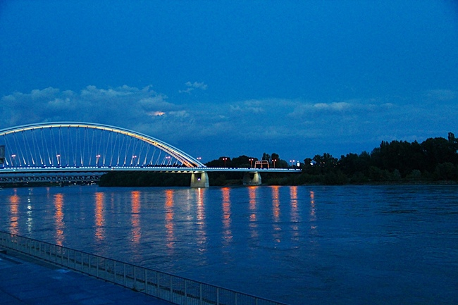 IMG_0837晚836多瑙河.JPG