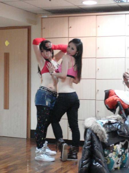 nEO_IMG_20101024顧曉蘭成果展-莉瑋 (11).jpg
