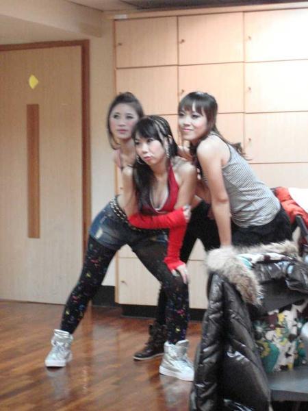 nEO_IMG_20101024顧曉蘭成果展-莉瑋 (12).jpg
