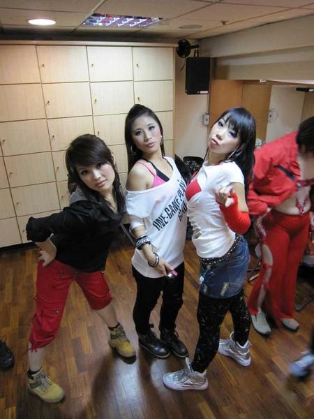 nEO_IMG_20101024顧曉蘭成果展-馨宜 (7).jpg