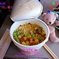 0607-0085_機上宵夜餐。泡麵.jpg