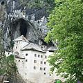 Predjama Castle 05