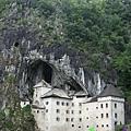 Predjama Castle 08