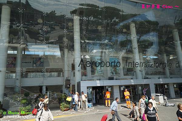 20130920-04 Naples Airport_DSC02395.jpg