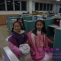有一組小朋友在辦公室玩起「紅綠燈」的遊戲@2011虎年尾牙