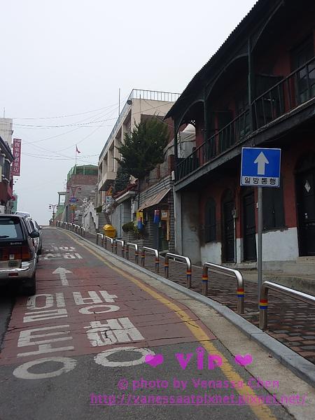 左邊:中華街道。