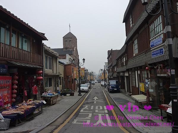右邊:日式街坊。