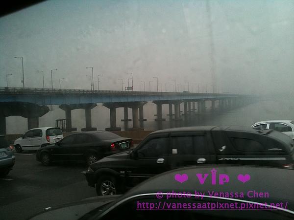 霧茫茫的漢江。