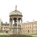 King's College 的中庭噴水池