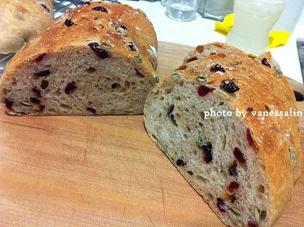 水果乾麵包10