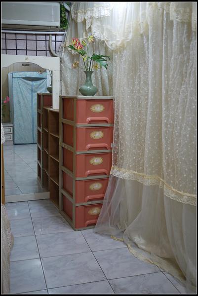 房間長度約10格40cm磁磚寬