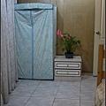 衣櫥剛換成較大的鐵架外包不織布衣櫥(全新)