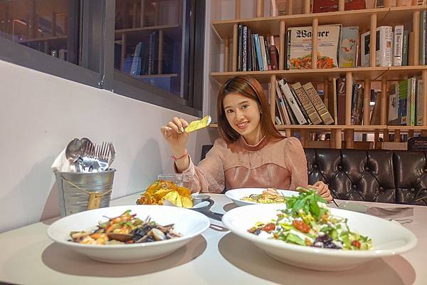 《意舍酒店amba · 吃吧chiba》台北西門町吃什麼?附菜單