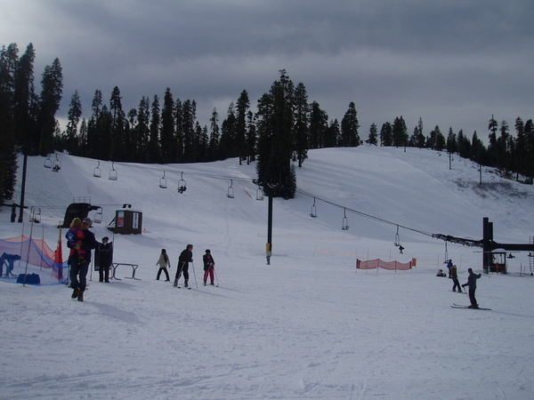 雪場分很多個不同高度的雪道